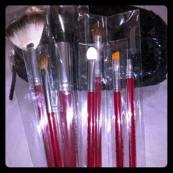 Laura Geller Other - [ Laura Geller ] Brush Set